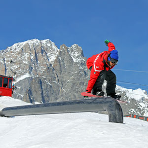 freestyle-snowboard-private-ski-snowboard-school-courmayeur